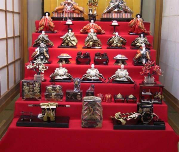 雛人形七段飾り、十五人飾りパート1